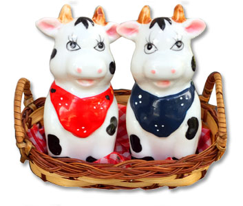 kissing cow salt pepper